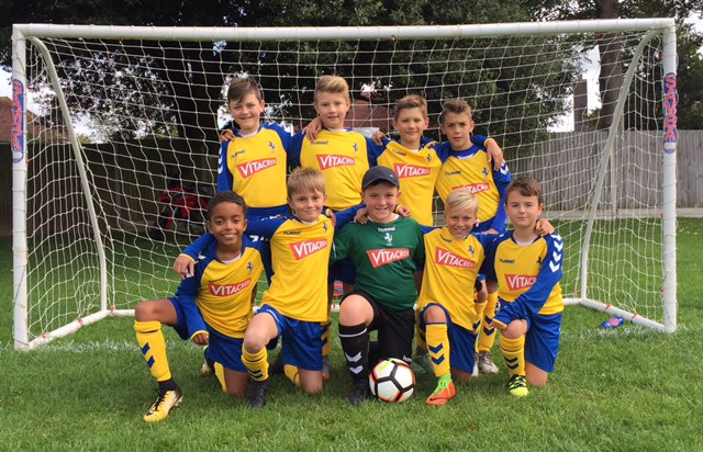 Vitacress sponsors Felpham Colts football team